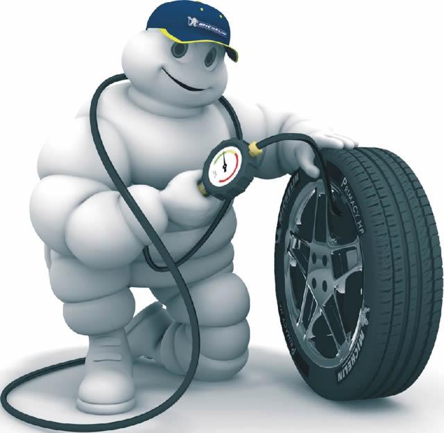 Tlak v pneu motocykl